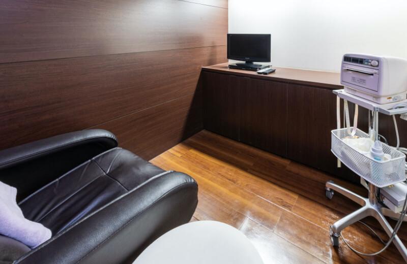 1F NST室